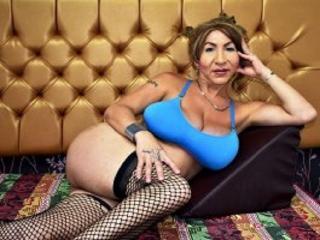 SexyBaisForYou模特的性感個人頭像,邀請您觀看熱辣勁爆的實時攝像表演!