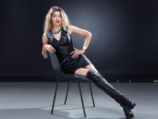 SugarKity模特的性感個人頭像,邀請您觀看熱辣勁爆的實時攝像表演!