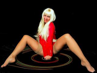 LeggyCurvy - 在XloveCam?欣赏性爱视频和热辣性感表演