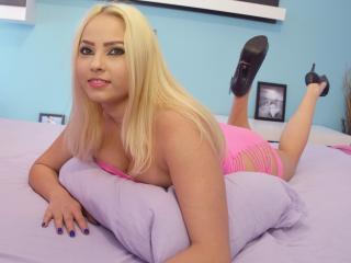 LucyLoo - 在XloveCam?欣赏性爱视频和热辣性感表演