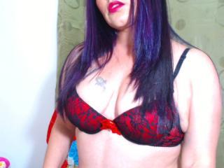 SweetAndHotSara - 在XloveCam?欣赏性爱视频和热辣性感表演