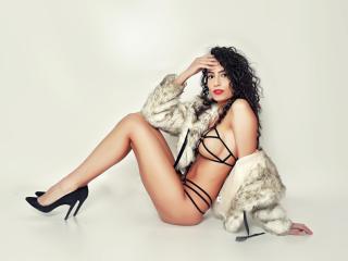NinaGomez - 在XloveCam?欣赏性爱视频和热辣性感表演