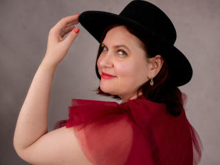 Photo de profil sexy du modèle BigTitsXHot, pour un live show webcam très hot !