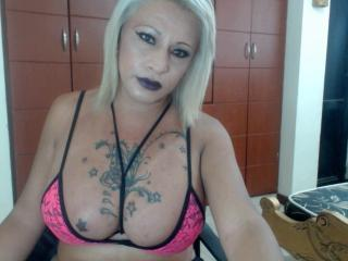 Picture of the sexy profile of CandelaSexy69, for a very hot webcam live show !