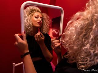 Model CurlySmile'in seksi profil resmi, çok ateşli bir canlı webcam yayını sizi bekliyor!
