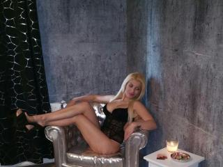 Picture of the sexy profile of GoldQueenie, for a very hot webcam live show !