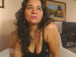 Picture of the sexy profile of HotLatinMature, for a very hot webcam live show !