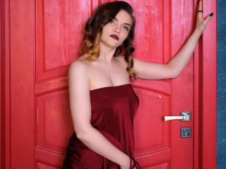 Photo de profil sexy du modèle KatherineMidnight, pour un live show webcam très hot !