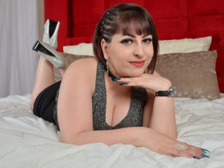 Picture of the sexy profile of LexxyLove, for a very hot webcam live show !