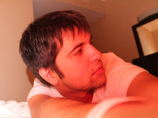 Picture of the sexy profile of Lucas69, for a very hot webcam live show !