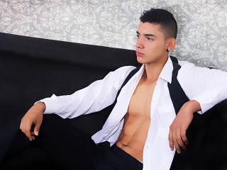 Picture of the sexy profile of MasterJonny, for a very hot webcam live show !