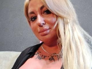 Velmi sexy fotografie sexy profilu modelky MiraMelody pro live show s webovou kamerou!