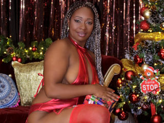 Photo de profil sexy du modèle QueenChocolat, pour un live show webcam très hot !