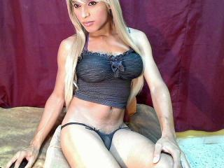 Picture of the sexy profile of SexySachaTsX, for a very hot webcam live show !