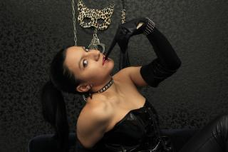 Picture of the sexy profile of SlutySlave, for a very hot webcam live show !