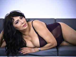 Picture of the sexy profile of SxyVivian, for a very hot webcam live show !