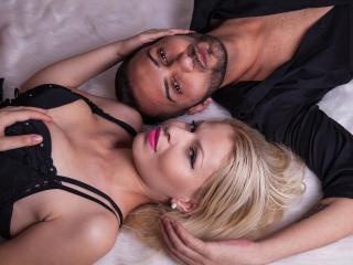 Hình ảnh đại diện sexy của người mẫu TraceyAndFloyd để phục vụ một show webcam trực tuyến vô cùng nóng bỏng!