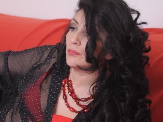 Model UniqueGirl'in seksi profil resmi, çok ateşli bir canlı webcam yayını sizi bekliyor!