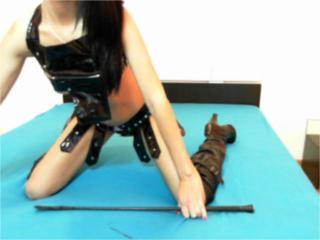 Foto del profilo sexy della modella XKinkyIngrid, per uno show live webcam molto piccante!