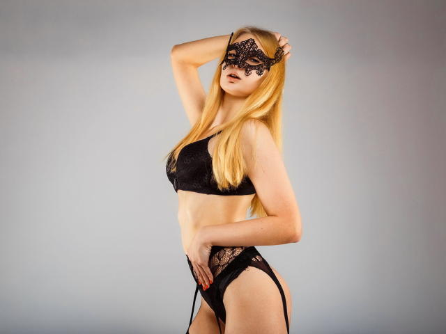 Photo de profil sexy du modèle EffectBlonde, pour un live show webcam très hot !