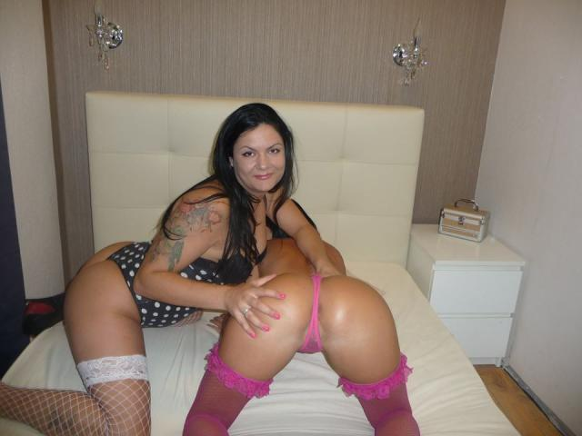 Picture of the sexy profile of LesbiansLove, for a very hot webcam live show !