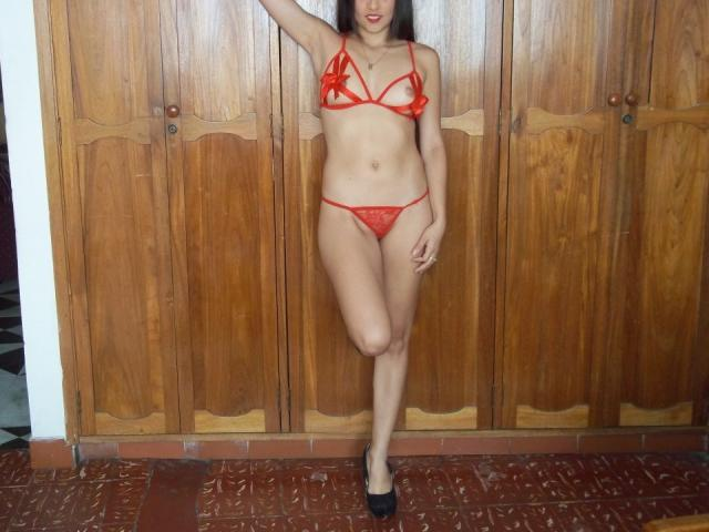 Photo de profil sexy du modèle Silvina, pour un live show webcam très hot !