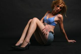 BlondeMiraje - Sexy live show with sex cam on XloveCam