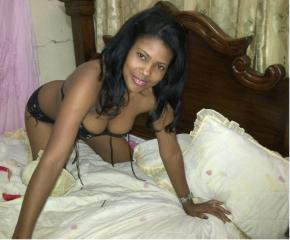 Deborah - Chat cam hard with a ebony Young lady
