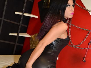 NaughttyWoman - Sexy live show with sex cam on XloveCam