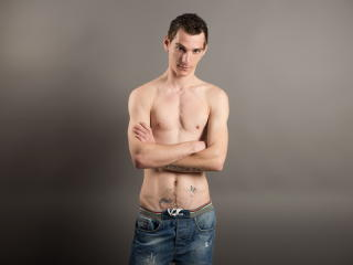 AlessioGiallo - Sexy live show with sex cam on XloveCam