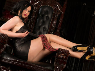 MayaDominatriX - Sexy live show with sex cam on XloveCam