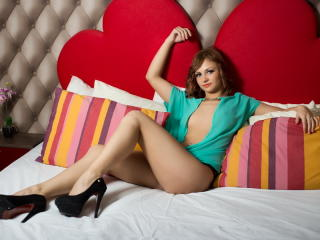 BritnneyLee - Sexy live show with sex cam on XloveCam