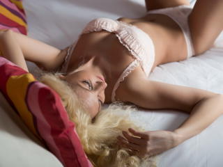 CarmellaAngel - Sexy live show with sex cam on XloveCam