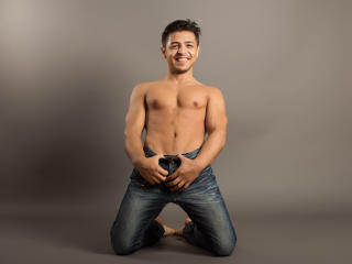 PrinceMike - Sexy live show with sex cam on XloveCam