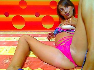 BerryHot - Sexy live show with sex cam on XloveCam