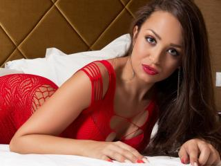 MadieRoux - Sexy live show with sex cam on XloveCam