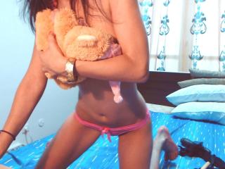 Wilona - Sexy live show with sex cam on XloveCam