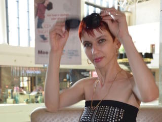 KinkyRoksanne - Sexy live show with sex cam on XloveCam