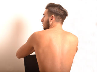 SexyTommy - Sexy live show with sex cam on XloveCam