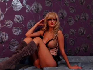 TresChaudeBlonde - Webcam nude with this European Hot babe