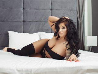 AngelJolie - Sexy live show with sex cam on XloveCam