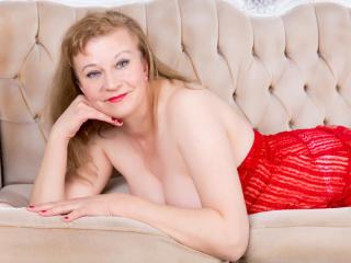 Sexy nude photo of AmazingBoobsShow