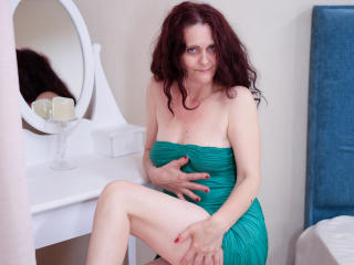 BrendaBelleForYou - chat online hard with a White Mature