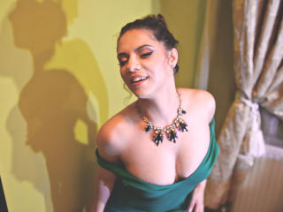LuccyleJolli - Sexy live show with sex cam on XloveCam®