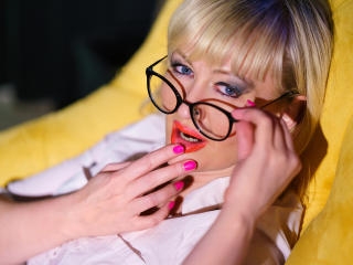 FlirtyMary - Sexy live show with sex cam on XloveCam®