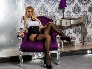 Sabinne - Chat live xXx with this European Hot chick