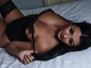 SensualReina - Sexy live show with sex cam on XloveCam®