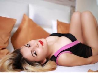 Sexy nude photo of LindaDeepX