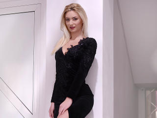 AnaisMargot - Live cam porn with a shaved sexual organ Hot babe