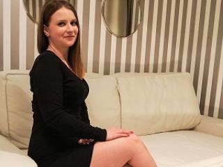 LisaMiracle - Chat live nude with a slender build Hot chicks